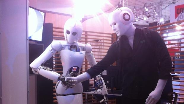 Unser Maschinenmensch hat sich in verliebt