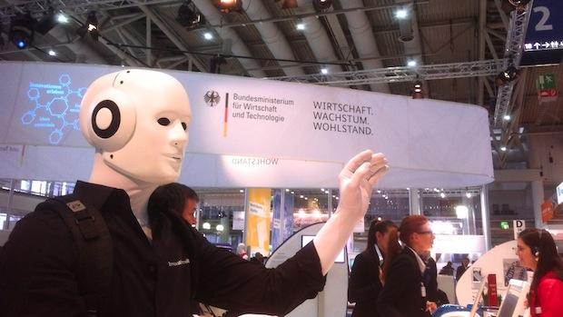 Hannover Messe 2013 Walk Act Roboter Bundesministerium Wirtschaft