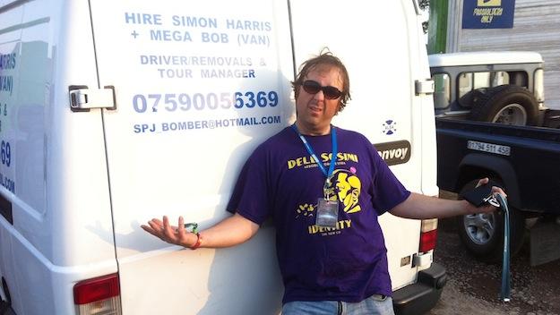 Simon Harris ist Euer Mann, wenn es in England etwas zu transporieren gibt, Yeah!