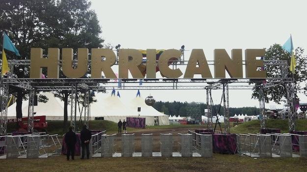 Hurricane Eingang Schriftzug