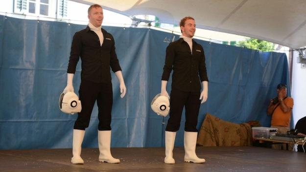 Klassisches Bild nach dem ersten Roboter-Tanz