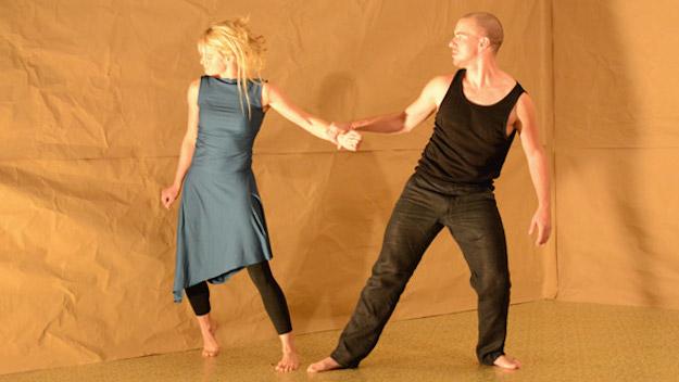 Liebes Duett metroccolis-love-duet-corporeal-mime-conflict