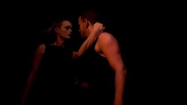 Liebes Duett metroccolis-love-duet-corporeal-mime-theater-fight