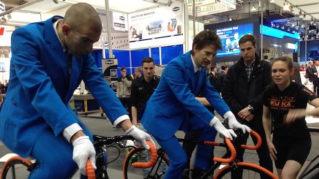 Auf dem Messestand des VDMA mit den tollen Kuka Fahrrädern