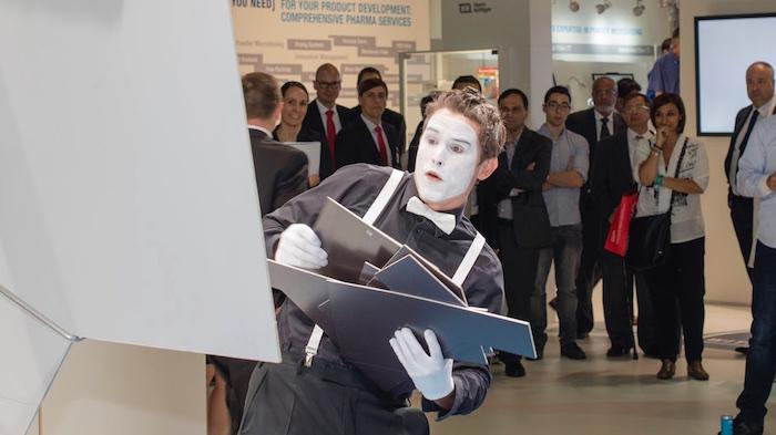 Messeshow Produktshow Achema pantomime roboter 2015  Puzzle