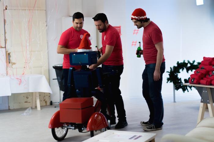 Weihnachtsfeier Party Berlin Künstler Roboter Act Twilio Berlin 3