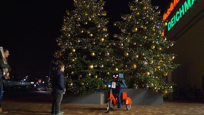 Was haben Weihnachtsbäume und Roboter gemeinsam? - Viele, viele Lichter.