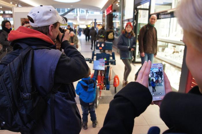"""""""Können wir ein Foto mit dir machen?"""""""