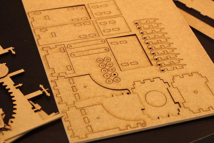 Lasercutter MDF Teile ausgeschnitten