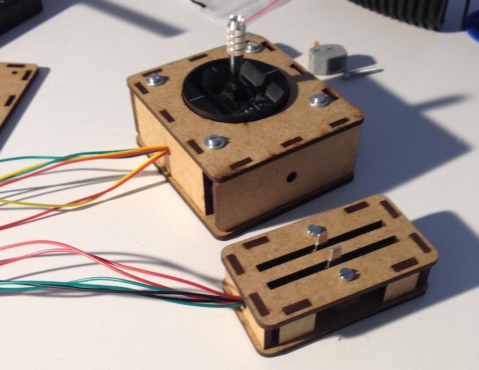 Roboter gerngesteuert MDF gehäuse