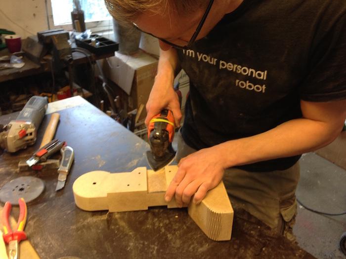 Schleifen Holz bein roboter