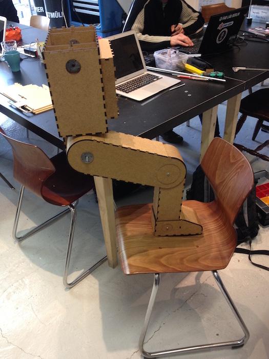 Test Roboter bein