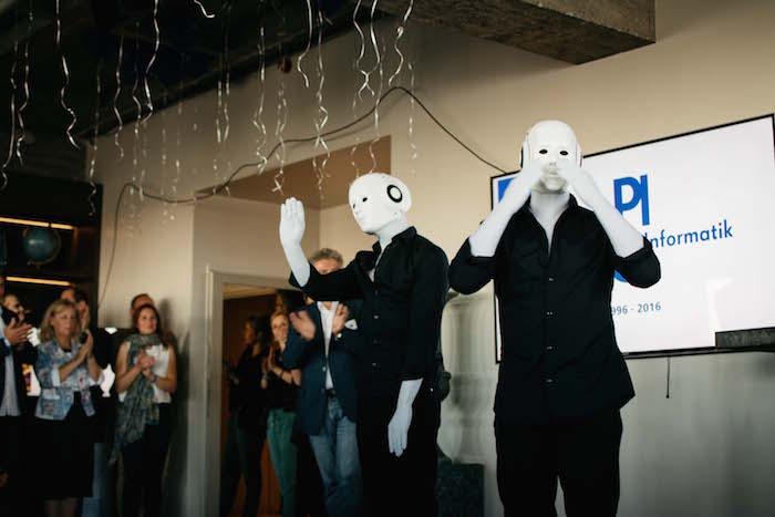 Begrüßung der Gäste vor der Show