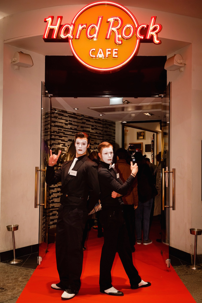 pantomime-mime-gentleman-hard-rock-cafe-berlin-itb-party-eingang