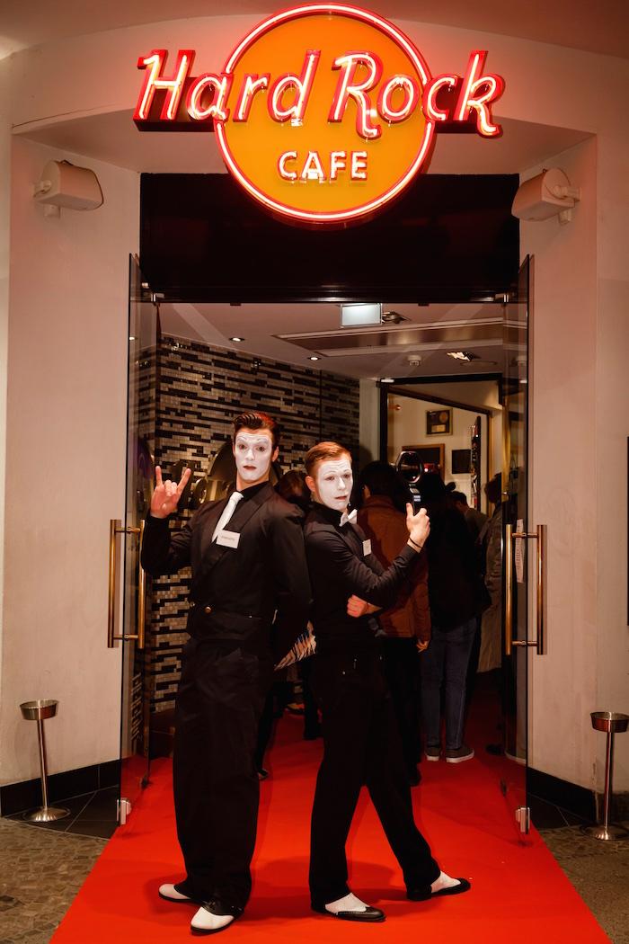 pantomime-mime-gentleman-hard-rock-cafe-berlin-itb-party-eingang