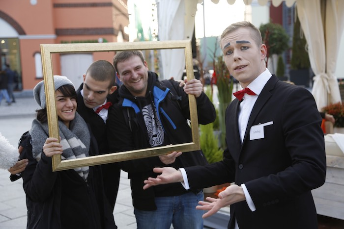 pantomime-visual-comedy-butlers-foto-grosser-namen-wustermark