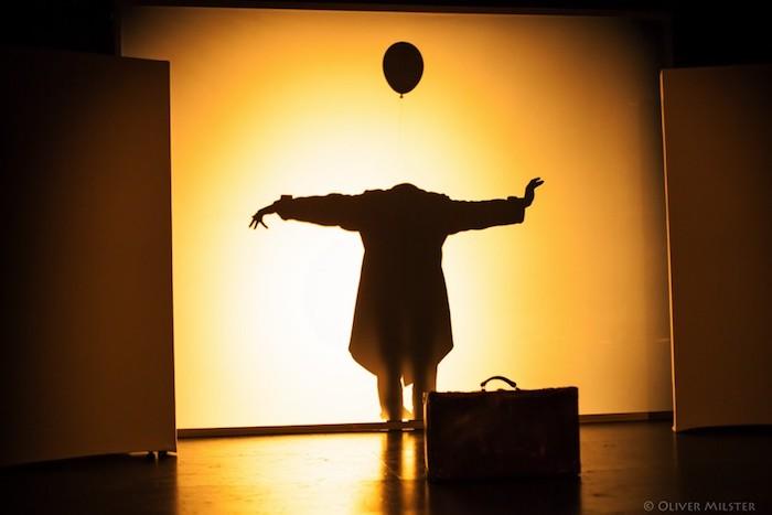 Mareike Jung tanz mime Abschlussstück Kopflos